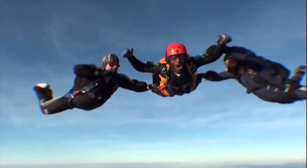 Juwons skydive for ACLT